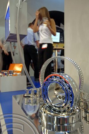 DG09173. Bearings. Railtex 2007. 20.2.07.