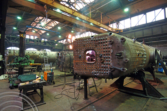 FDG05323. Repairing boilers. Meiningen locomotive works. Germany. 12.2.07.